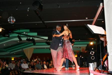 tango-show25