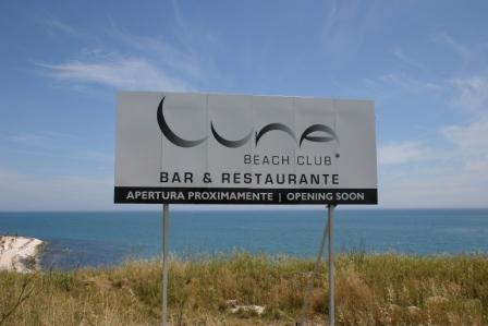 Luna Beach Club sign