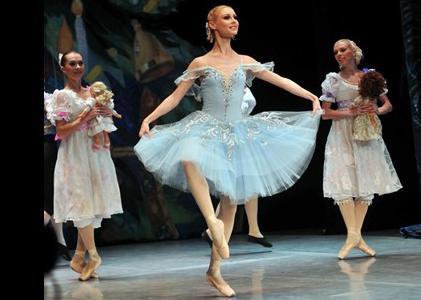 The Nutcracker Ballet In Malaga Sunset Beach Club